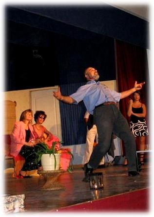 Bernard Lamailloux avec la troupe SOS Comédie, en 2009