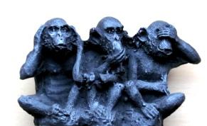 trois singes...