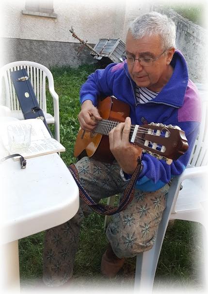 Jean-Michel Philibert à la guitare