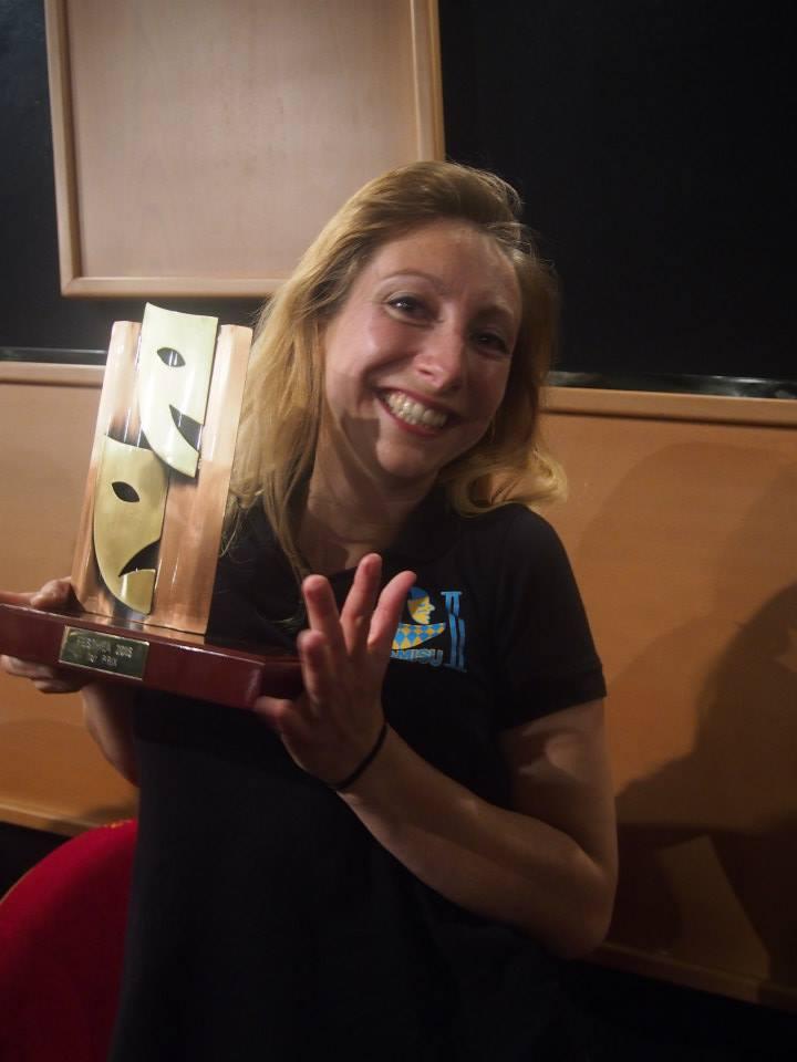 Coralie toute contente de notre trophée...